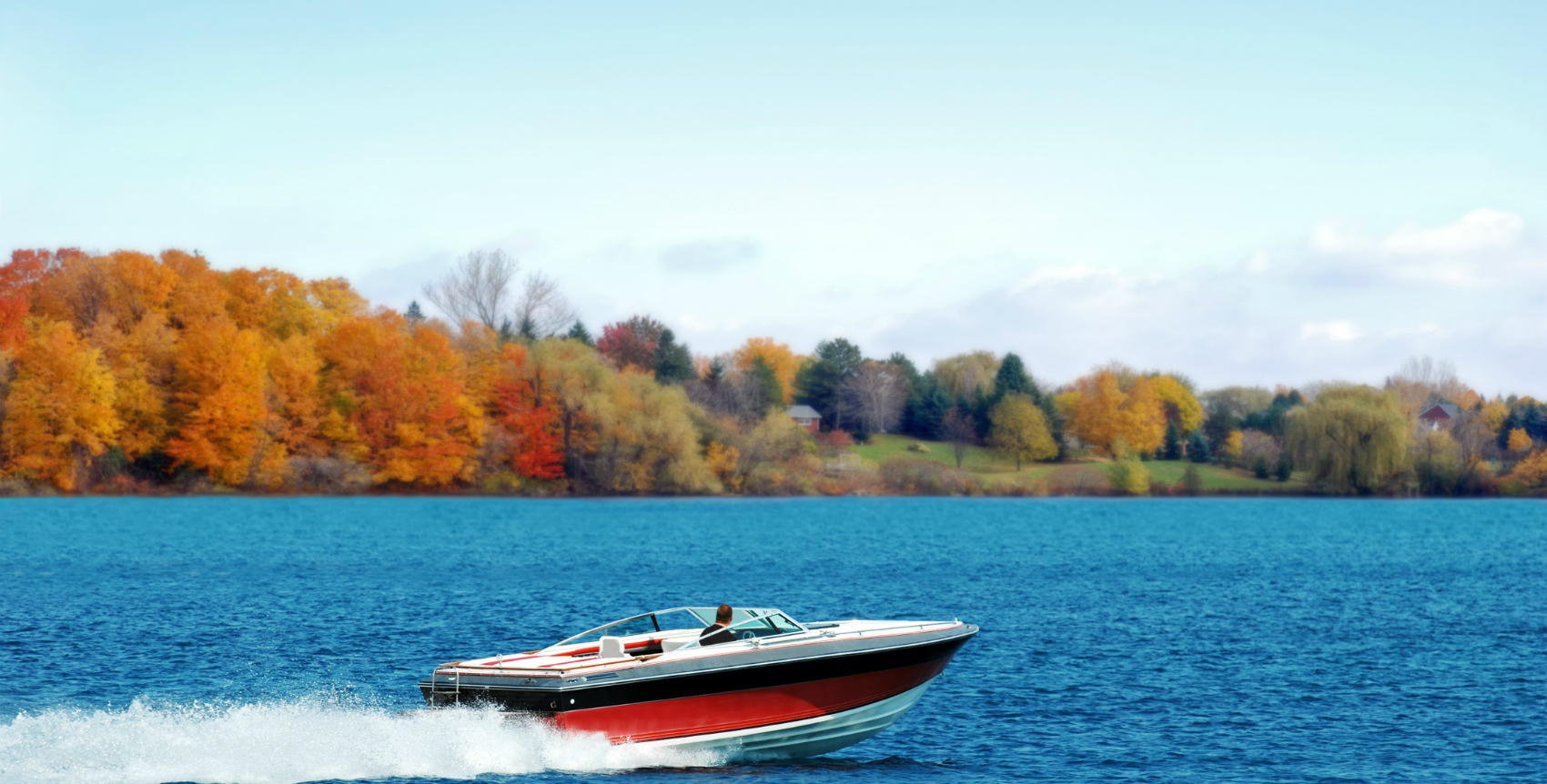 Fall Boating: 5 Best Boating Spots to Enjoy Nature's Vibrant Fall Colors
